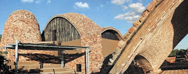 South-Africa,-Peter-Rich-Mapungubwe-Interpretation-Center